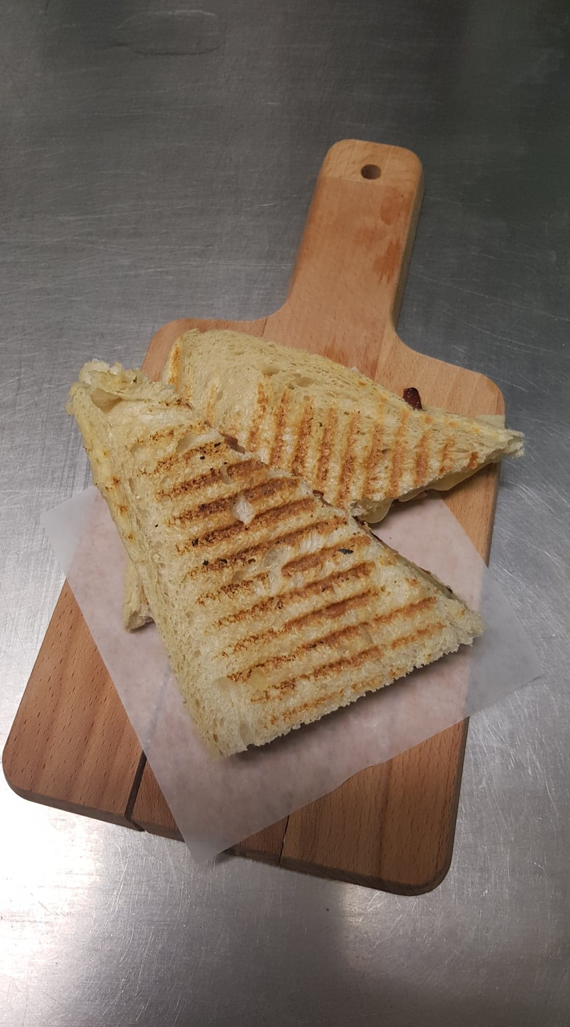 Grill cheese strait